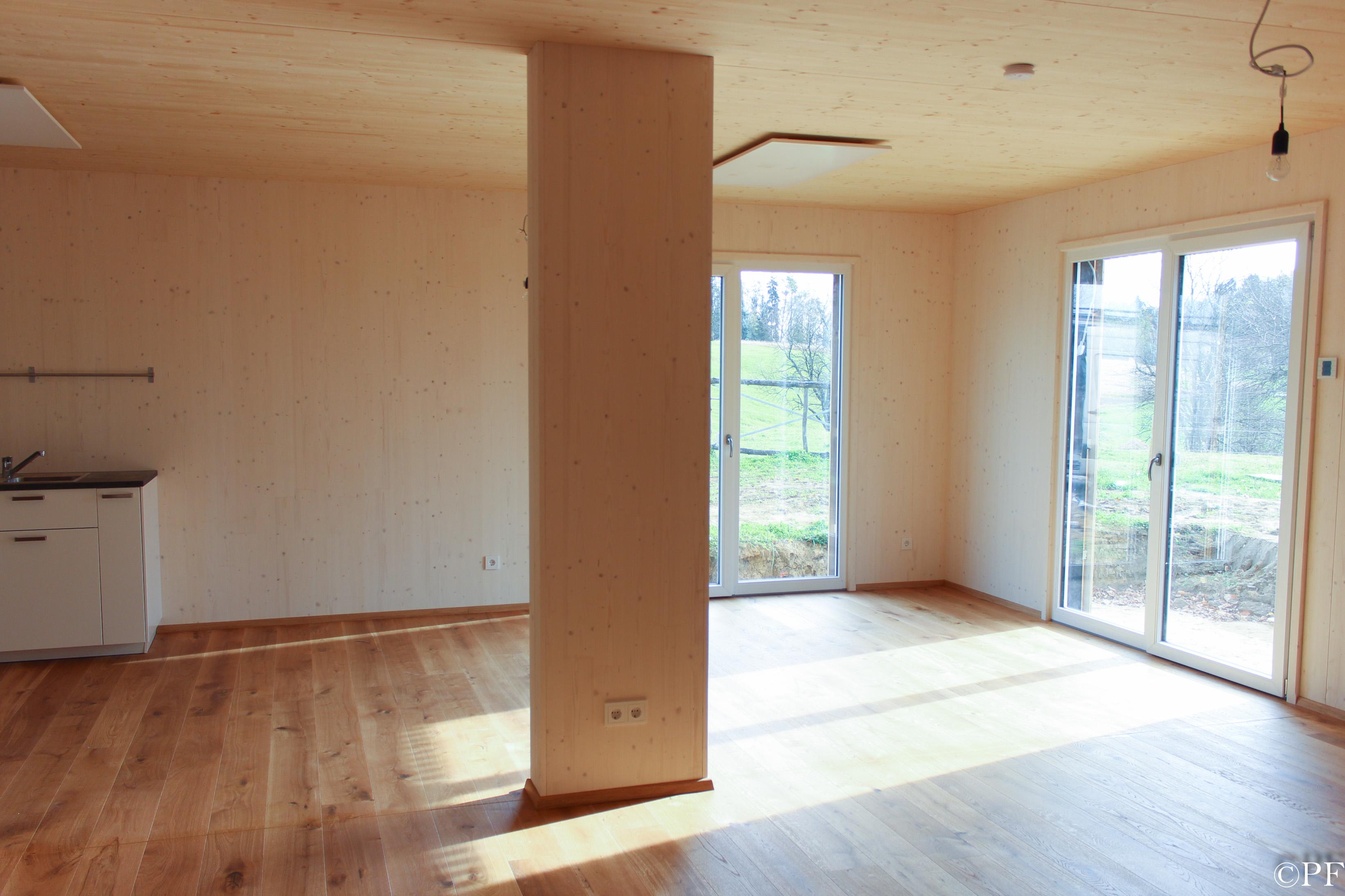 McCube Innenaufnahme Holzhaus
