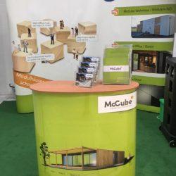Messestand McCube Modulhäuser aus Holz