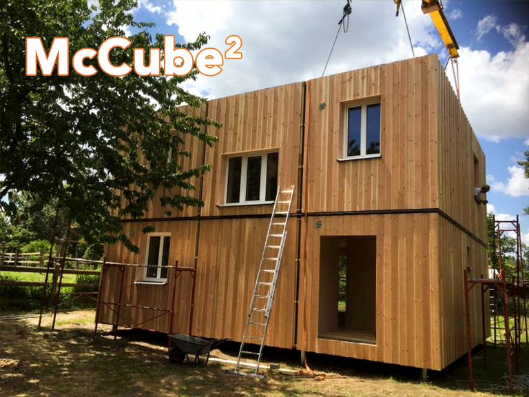 Mccube hoch2 mccube homes h user zum mitnehmen for Modul container haus