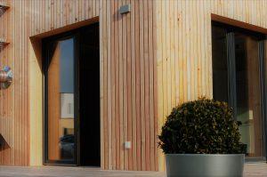 Musterhaus Außenansicht Holzfassade