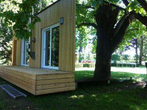 Modulhaus von McCube im Park